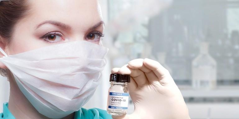 woman-covid-vaccine